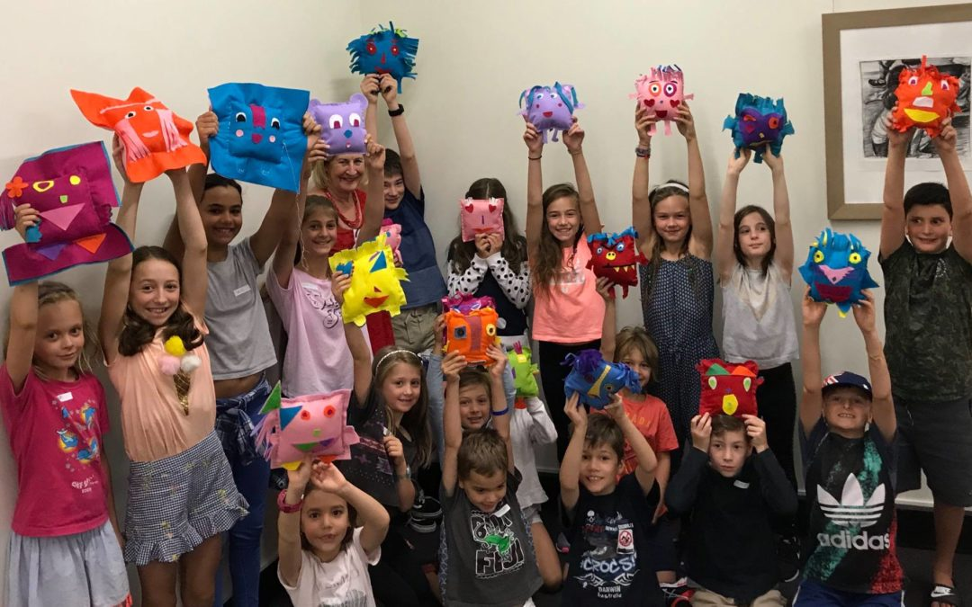 Soft toys for refugee children – gifts from the heart made with caring hands
